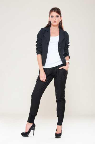 Модные женские брюки дудочки